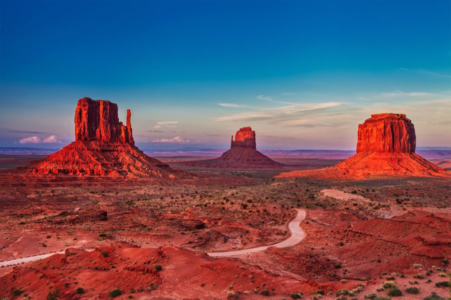 Monument Valley: Best Photo Spots of the Southwest Wonder by Wildsight Photography. The Mittens, Merrick Butte, sunset photo