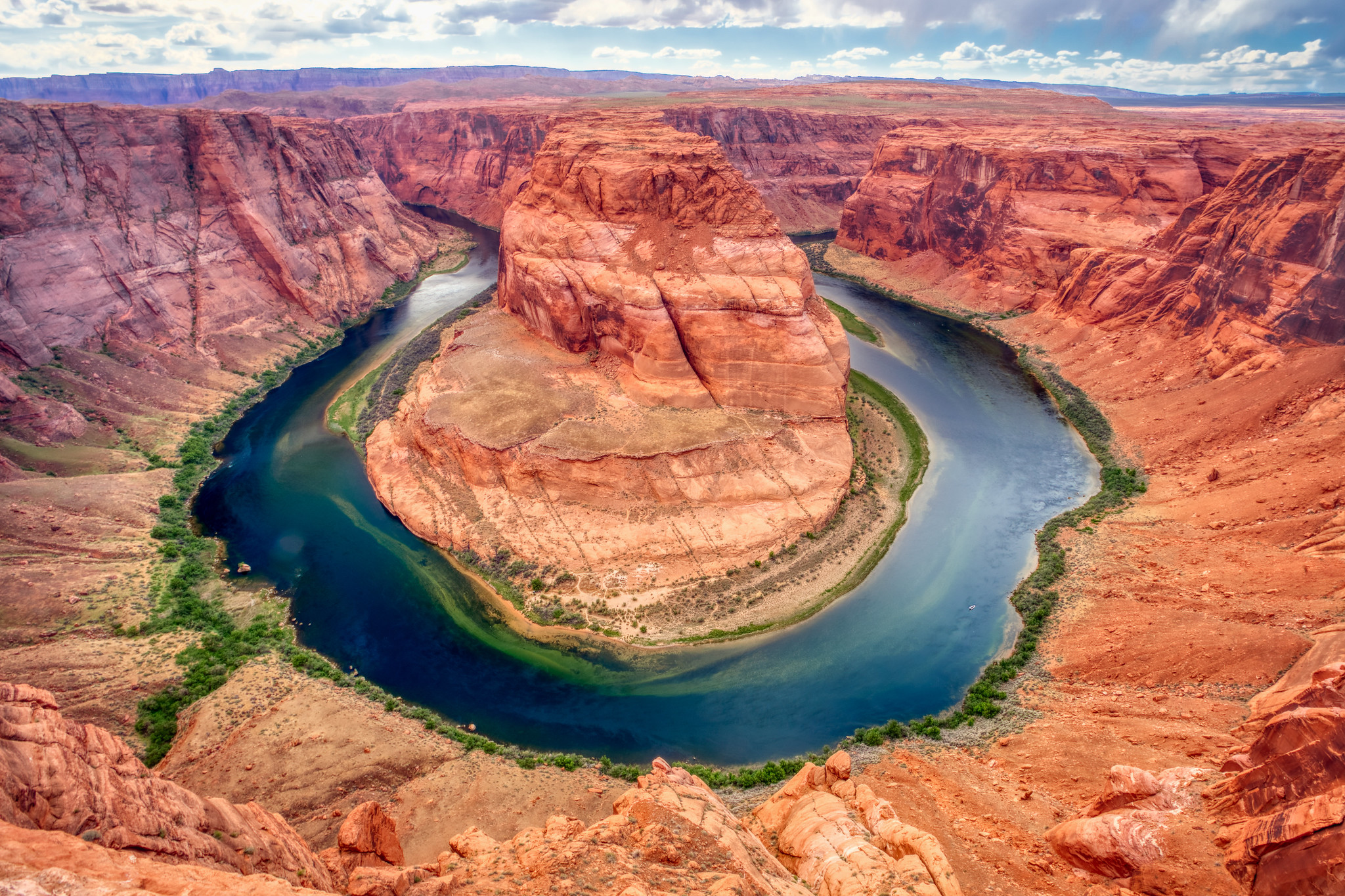 Horseshoe Bend & Beyond: Where to Take Photos in Page, AZ