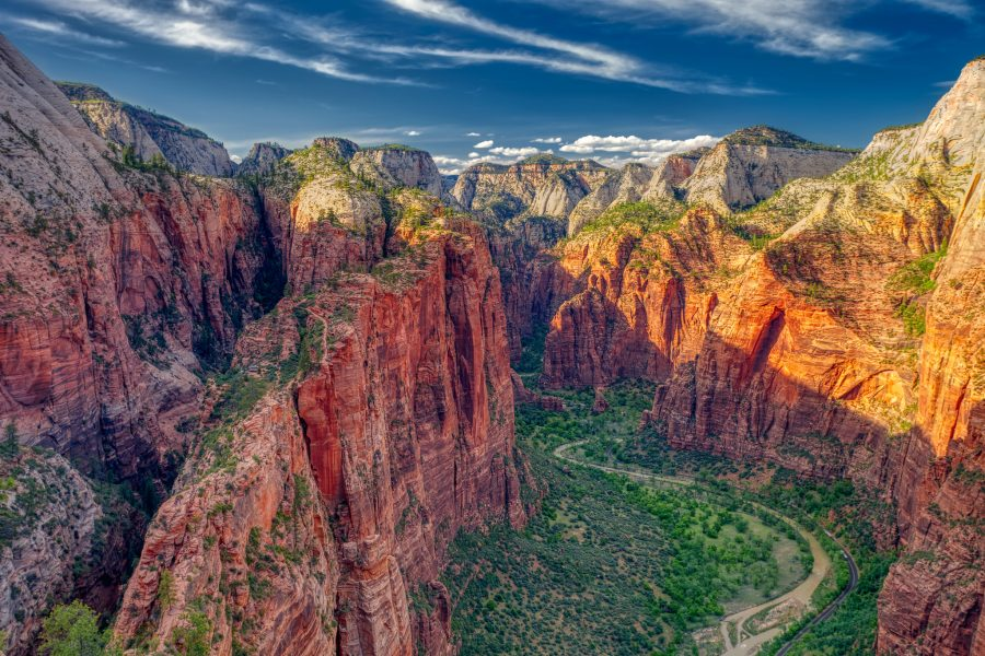 Zion National Park: Best Photo Spots on Easy & Difficult Hikes by Wildsight Photography. Angels Landing